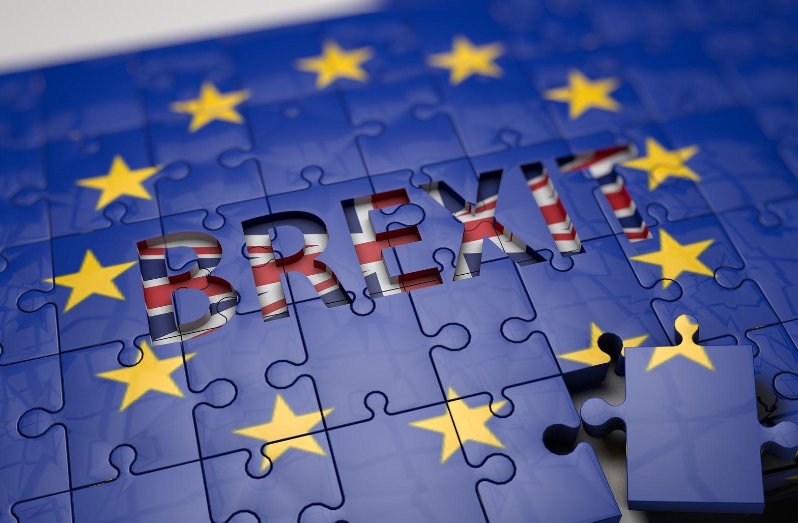 EU Flage mit Schriftzug BREXIT