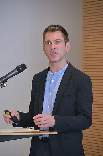 Dr. Christian Hunkler