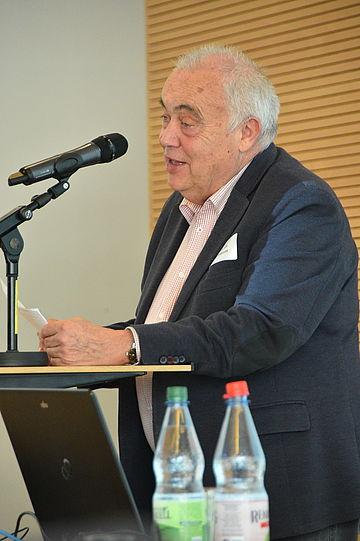 Prof. Dr. Reinhard Schramm